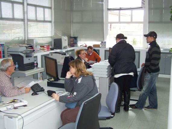 Crece el n mero de parados en miajadas for Oficina de empleo caceres
